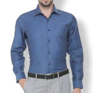 Van Heusen Men's Button-Up Dress Shirt